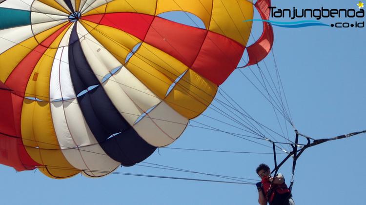 parasailing-tanjung-benoa-bali